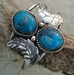 Vintage Navajo turquoise silver cuff
